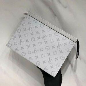 Louis Vuitton Toiletry Clutch Check Description